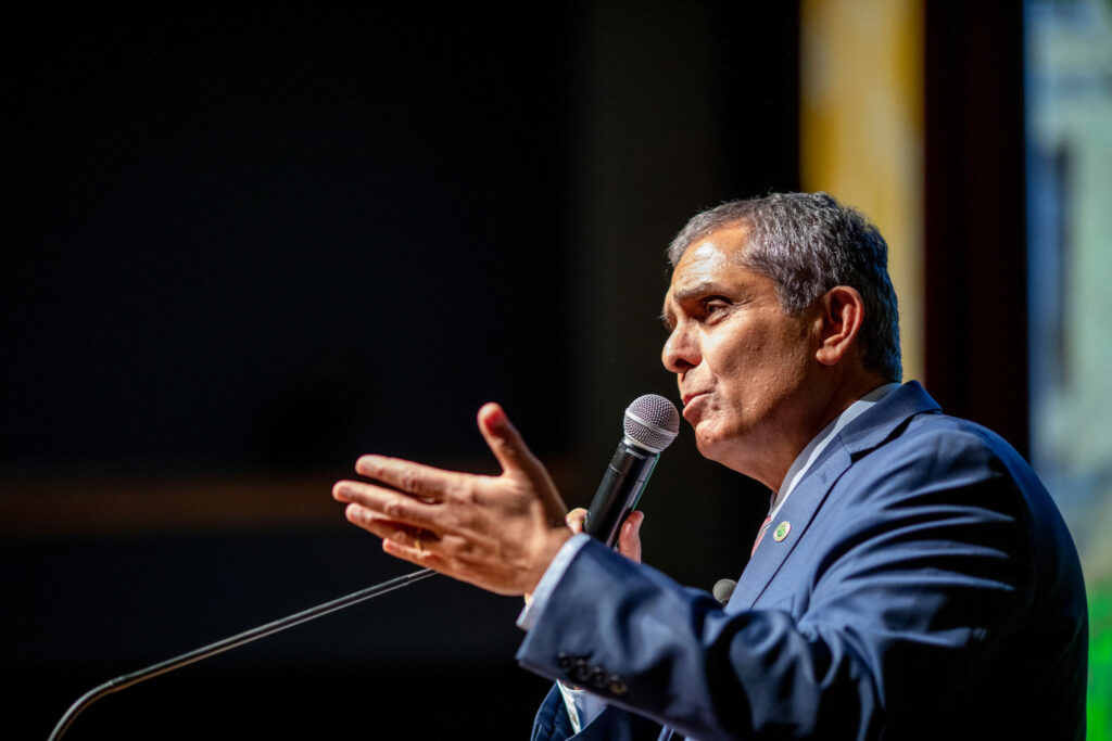 Mo Dehghani speaks at the state of the university address